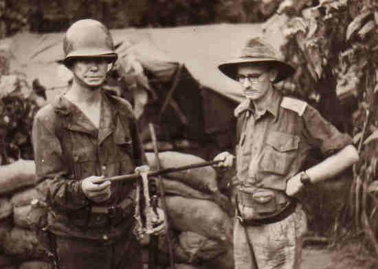 New-Guinea-Sanananda_Point-Pres-Cannibalisme-1943-1