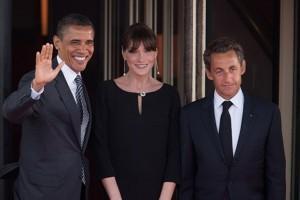 Barak Obama (1m85), Carla bruni (1m76), Nicolas Sarkozy (1m68)